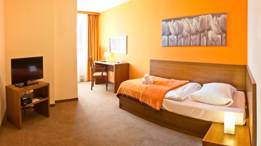 Ubytovanie Tatry. Ubytovanie Tatranská Lomnica. Hotel SLOVAN. Izba CLASSIC 1 lôžková.